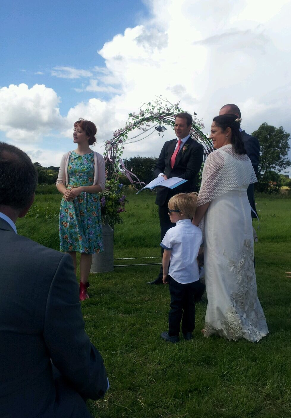 samantha kelsie wedding celebrant outdoor farm wedding uk