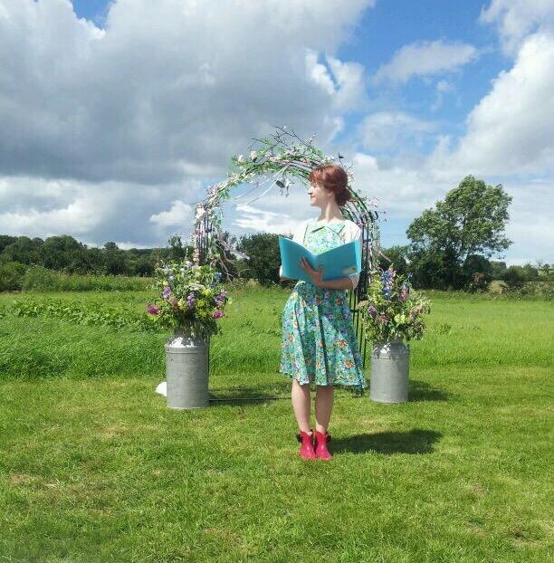samantha kelsie wedding celebrant outdoor farm wedding uk