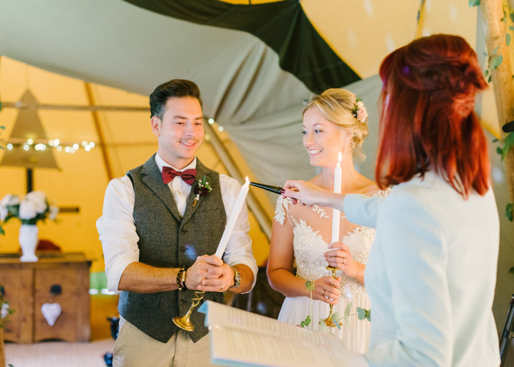 wedding celebrant for Teepee wedding ceremony. Hannah Duffy Photography