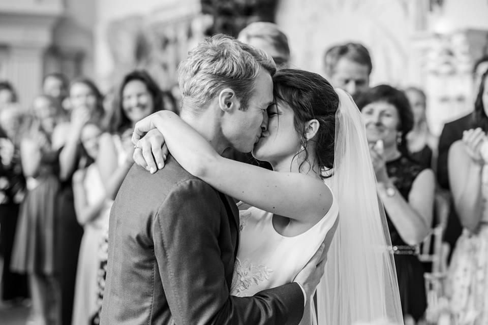 Celebrant for Wedding Ceremony at Aynhoe House -unique wedding venue - Jessica Raphael Photography